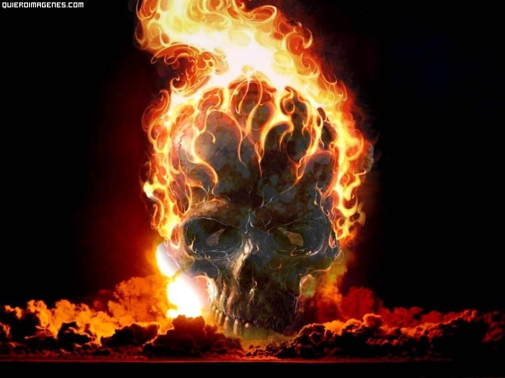 Calavera en llamas