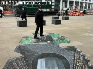 Dibujo en la acera, ilusión óptica en 3D