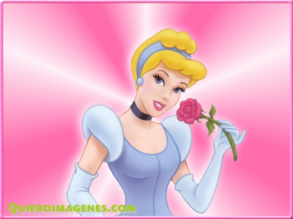 Cenicienta con una rosa