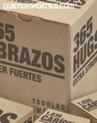 Abrazos en cajas