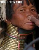 Imagen de mujer jirafa