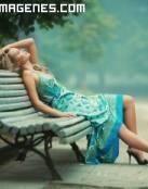 Imagenes de mujeres , pensando en el parque