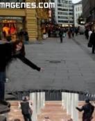 Ilusión óptica en la acera