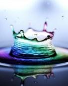 Gota de agua colorida