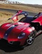 Espectacular coche deportivo en el desierto